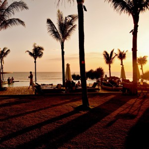 Be-Sparkling, Travelblog, Seminyak, Potato Head, Beach, Club, Beach Club, Bali, Seminyak, Sunset, Palm, Sun, Pool, Infinity pool, Relax, Cocktail