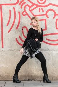 outfit, skirt, shirt, purse, earrings, fringes, &other stories, black, white, blonde, girl, miriam ernst,fashion blog,style, fringe