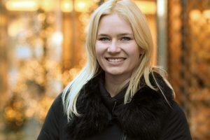 Miriam Ernst, Fashion Blogger, Black Jacket, blonde hair, blue eyes