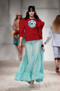 SS17, Filipe Faisca, Rui Vasco, oversized shoulders, red top, blue skirt, clothing, fashion blog, fashion blogger