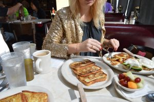 Fashion Week, Thomas Sabo, Raffle, win, breakfast, gold, jacket, blonde, Miriam Ernst, fashion blogger