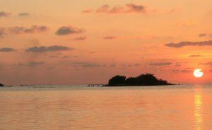 Maldives, girl, sun set, travel blogger