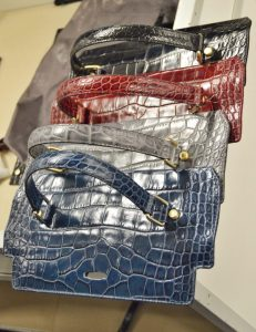 picard-be-sparkling-bag-colours-red-blue-production-process