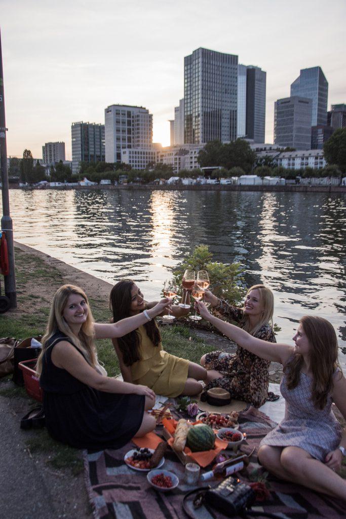 Freunde, Frankfurt, Rosewein, Provence
