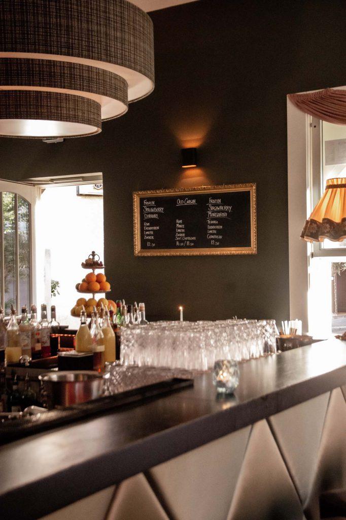 Fou Fou, beste Bar Stuttgart, Tresen, Interieur