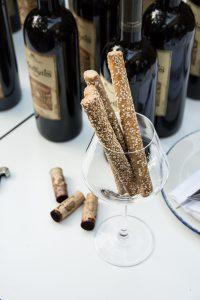 Wein, Grissini, Weinprobe