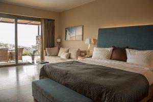 Daios Cove, Kreta, Suite, Zimmer, Bett
