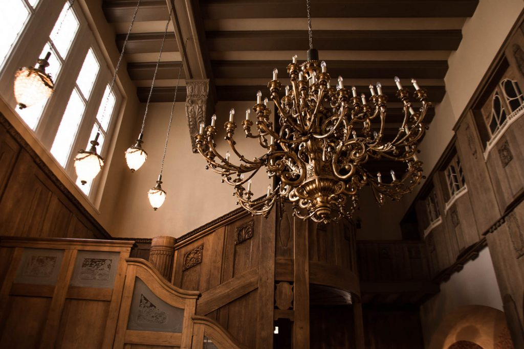 Schlosshotel Wendorf, Schwerin, 5 - Star- Hotel, holiday in Germany, luxury holiday, old castle, chandelier