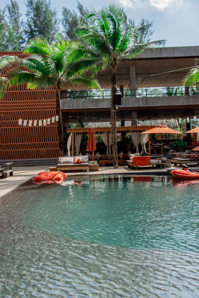 Thailand, Cafe-del-mar, palm trees, beach club, pool, bar, restaurant, sun, sunshine