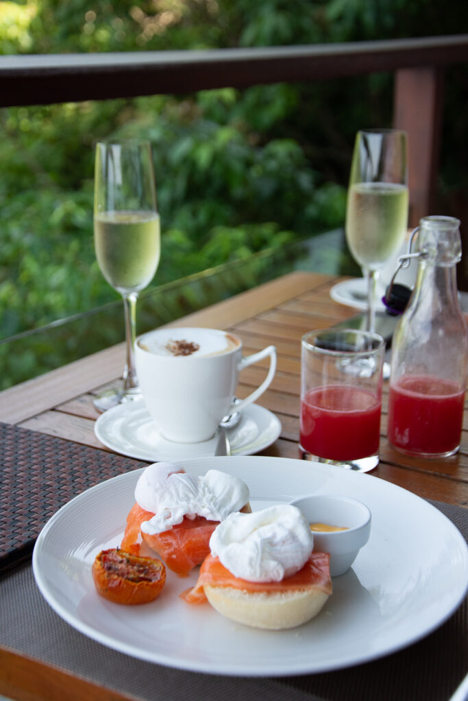 Thailand, phuket, cafe-del-mar, breakfast, food, eggs Benedict, juice, resort, coffee, champagne, fish, salmon, bred