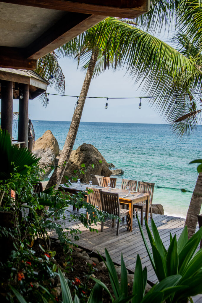 Beach, sea, water, palm trees, lunch, dinner, table, terrace