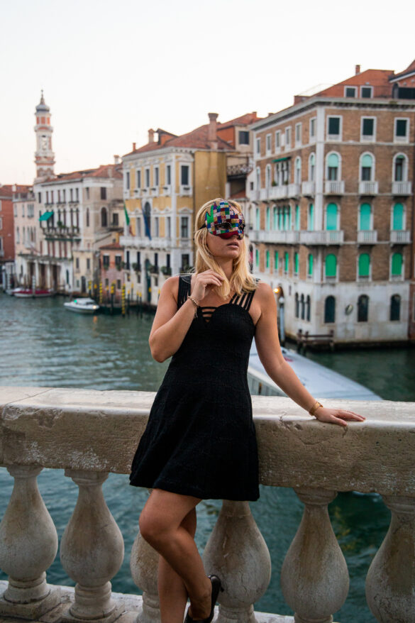 Italy, Venice, Miriam Ernst, black dress, Markusplatz, High Heels